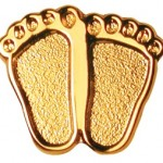Precious Feet Pin - Gold